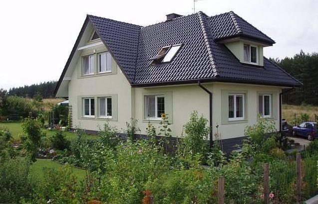 Elewacje Zuzzy: Grafitowy dach, białe okna cz.2