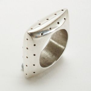 Ring by Jermakov Katalin  Filter Contemporary Jewelry