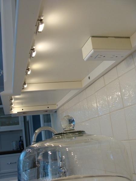 Undercabinet Outlets Kitchens Forum Gardenweb Kitchen In 2019 Under Cabinet Lighting