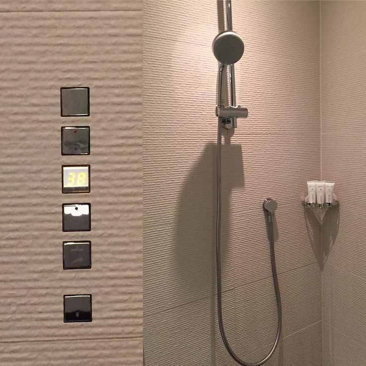 The shower at the #kempinskimunich was operated by a push button operation with temperature control. Just terrific.