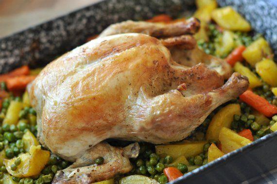 Feltéve, hogy valami finomat akarsz és szereted a csirkét. Mert ez így együtt nagyon jó. Nálunk úgy jött ki a lépés, hogy az egészet Laci készítette el, úgyhogy nyugodtan