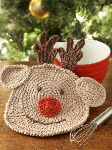 Reindeer Dishcloth | Yarn | Free Knitting Patterns | Crochet Patterns | Yarnspirations