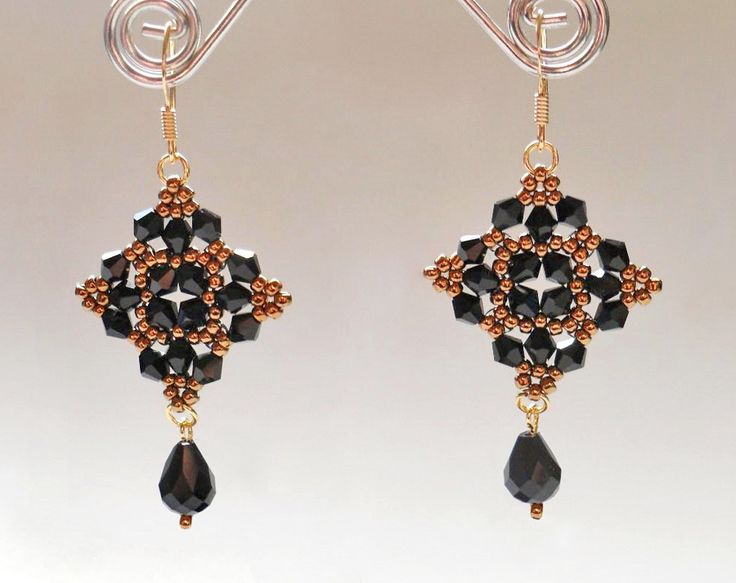 Free pattern for beautiful beaded earrings Mia    U need: seed beads 10/0 – 11/0 bicone beads 4 mm faceted drops      Click to get book about Beading