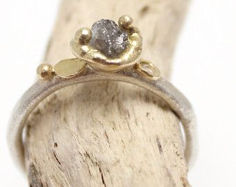 Diamante anillo amarillo oro en bruto bruto por TamaraGomez en Etsy