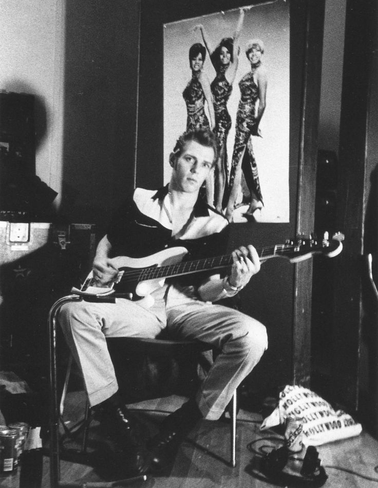 *sighhhh* Paul Simonon during the recording of Combat Rock, 1981