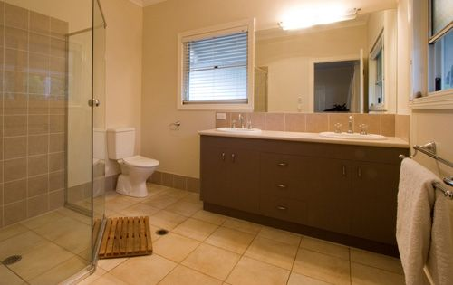 Ascot Traditional Queenslander - Ensuite double vanity and large shower