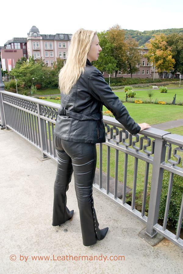 Bild: leathermandy014398ngdf.jpg - abload.de