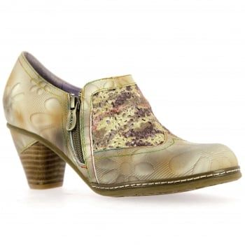 These easy-to-wear Alizee booties from French brand Laura Vita are just the right balance of pretty and practical - in this zingy taupe floral leather, they look great on the foot and feel good too! With a side zip for easy on and off and a rubber sole to keep you comfy all day. http://www.marshallshoes.co.uk/womens-c2/laura-vita-womens-alizee-02-taupe-floral-mid-heel-ankle-boots-p4702