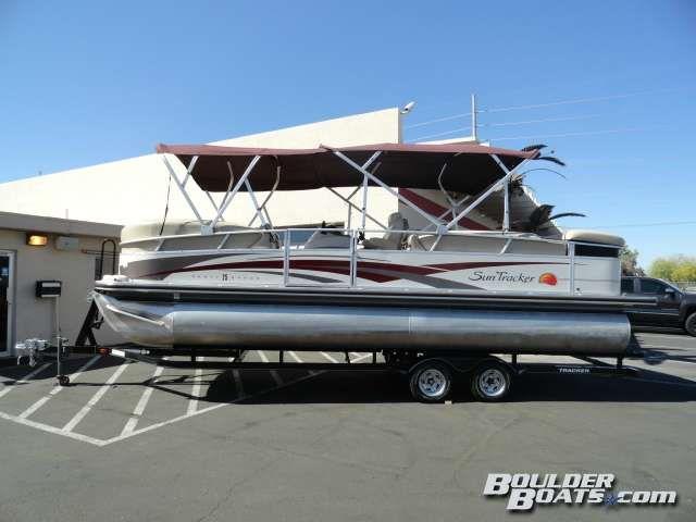 Sun Tracker 2008 Party Barge® 25 I/O Regency Edition