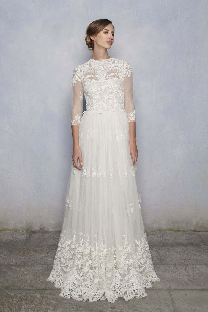 5 Winter Wedding Must Haves - A Long Sleeve Wedding Dress
