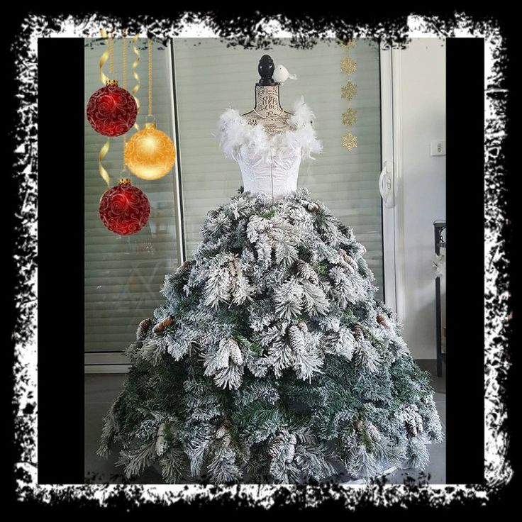 1000 images about dress form christmas trees on pinterest christmas trees christmas window. Black Bedroom Furniture Sets. Home Design Ideas