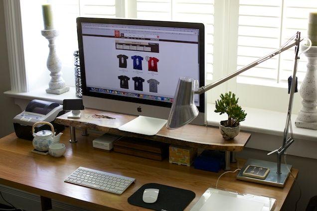 DIY: Custom Computer Monitor Standhttp://www.wodnut.com/blog/diy-custom-computer-monitor-stand/