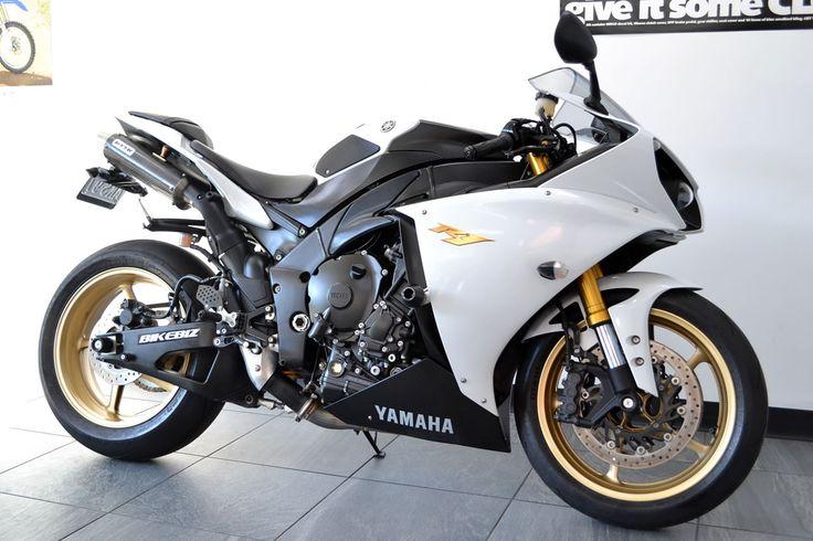 Yamaha R1 (2012)