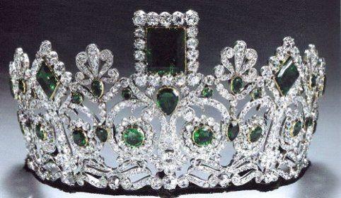 norueguês-esmeralda-parure-ou-imperatriz-Josephines tiara
