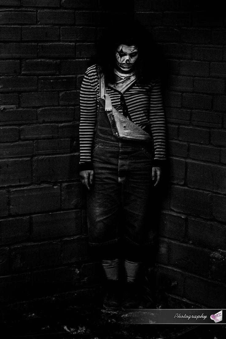 the clown - null