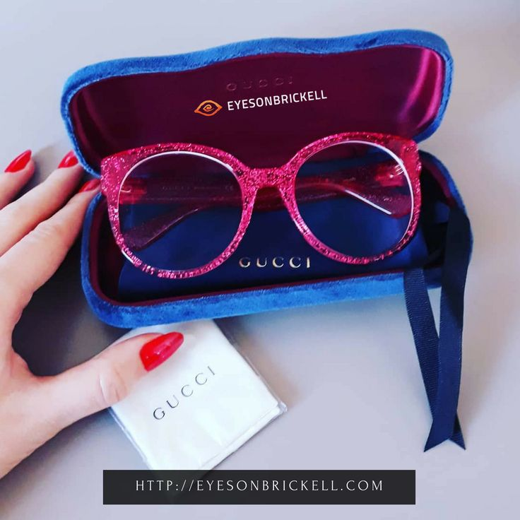 Stand out with this pinkcolored eyeglass. This premium