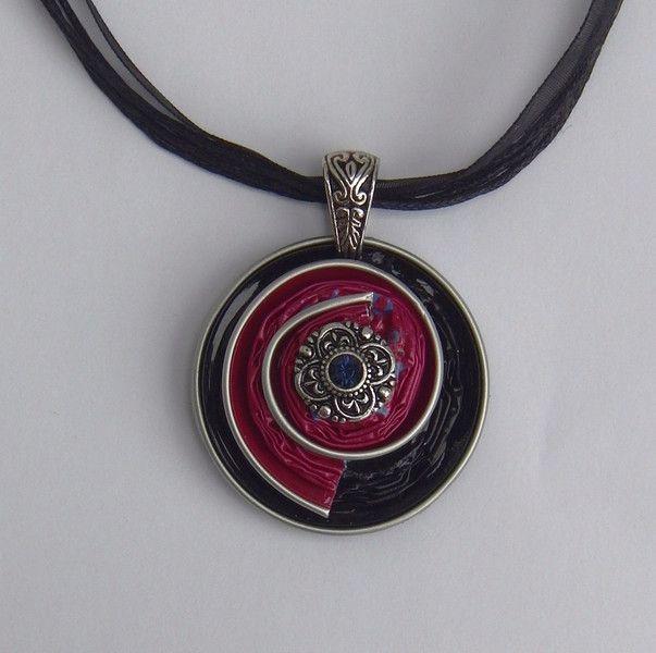 Colliers - Medaillon aus Nespressokapseln mit Organzakette - ein Designerstück von schmuckkreation-petra bei DaWanda
