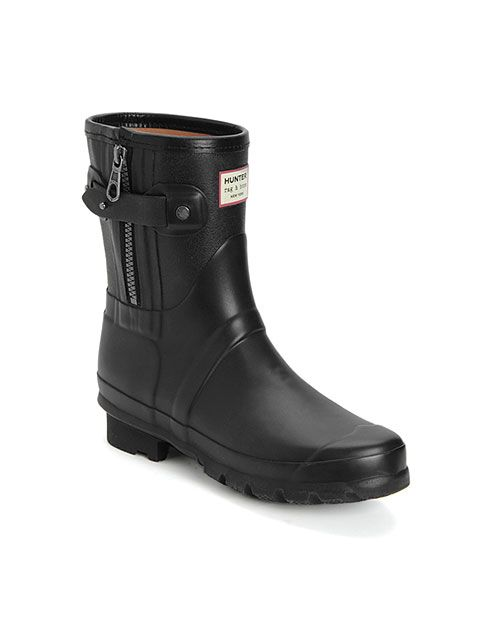 The Classic Hunter boot with a edgy Rag & Bone twist. Perfect for us shorter ladies in the city.