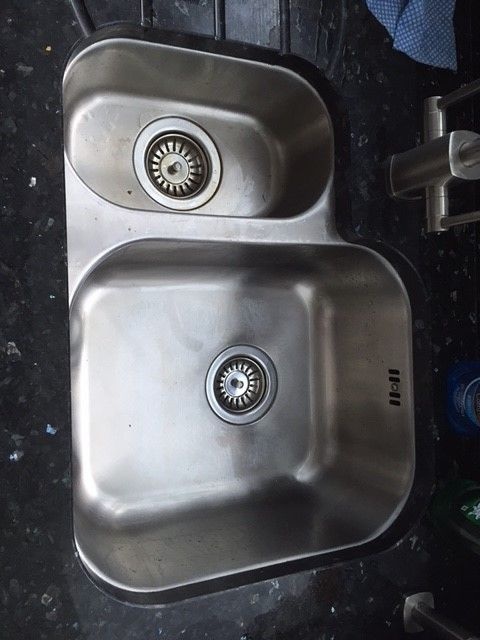 Bluci Rubus 150UH/LH undermounted kitchen sink.  A stainless steel undermounted sink that is available as either left or right handed.  Drainer grooves in the granite make this a stylish and practical kitchen sink.