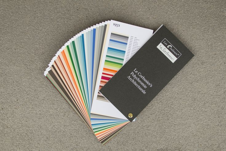 The handy Les Couleurs® Le Corbusier sample fan contains each of the 63 Le Corbusier colours on individual sample cards - here you see the collection from 1931.