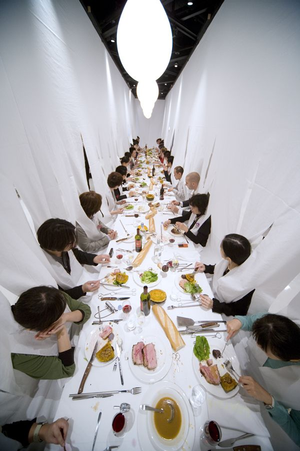 Marije Vogelzang is a Netherlands-based Eating Designer with roots in the aesthetics of eating and performance art.
