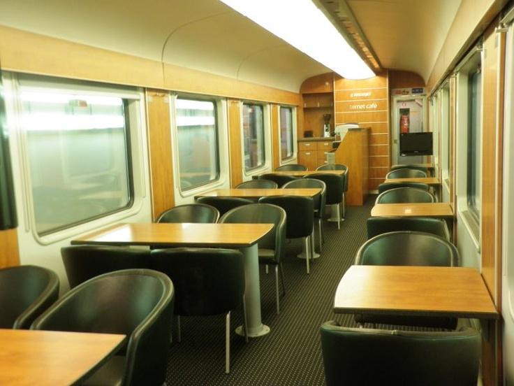 RegioJet nasadí ASmz vozy s Relax oddíly. Stane se tak 25. 7. na soupravách vlaků IC 1002 (Havířov 5.16) a IC 1015 (Praha 17.33). Kromě dvou Relax oddílů bude k dispozici také pracovní místo s internetem a kavárnou.