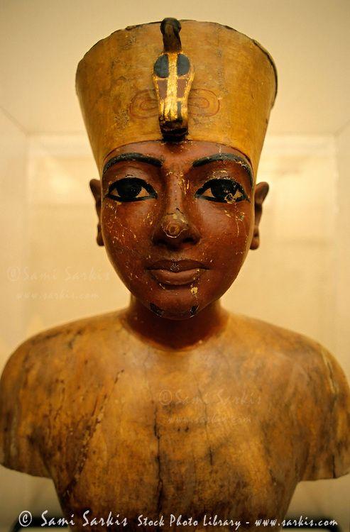 Queen Hatshepsut | Statue of Queen Hatshepsut, Egyptian Museum, Cairo, Egypt. | Sami ...