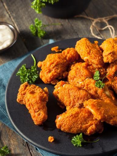Ailes et pilons de poulet panés : Recette d'Ailes et pilons de poulet panés - Marmiton