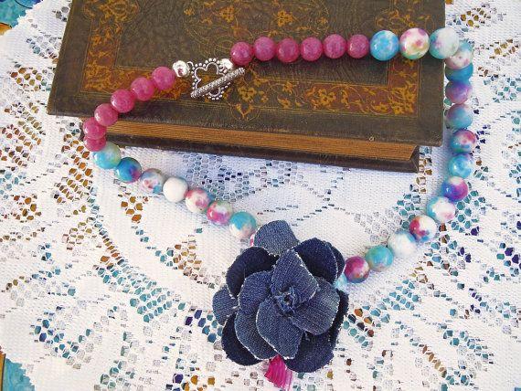 Collana ceramica rainbow, agata ciclamino e fiore di jeans fatto a mano,  collana primavera, collana multicolor,  collana estate