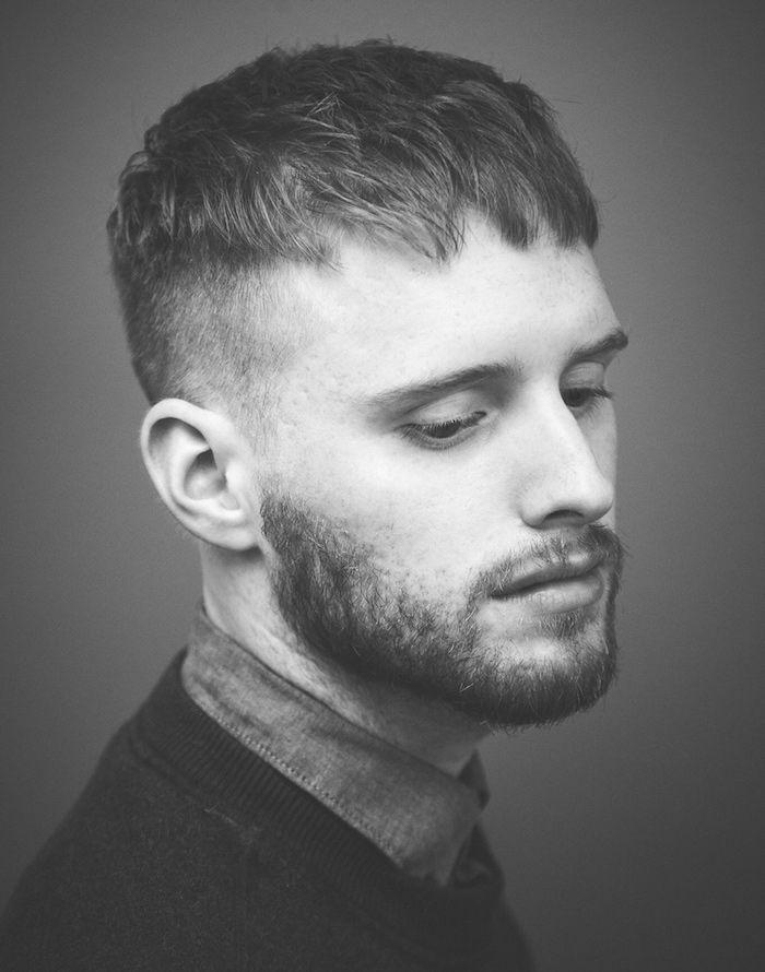 coupe de cheveux homme vers l'avant