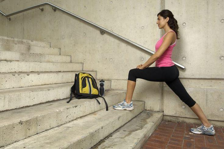Ejercicios y estiramientos para la ingle. Si no fortaleces y estiras con frecuencia los músculos de tus ingles, puedes estar poniéndote en riesgo de contraer lesiones crónicas e inestabilidad en esa zona en un futuro. Estirar y ejercitar los músculos de las ingles es necesario para mantener tu zona ...