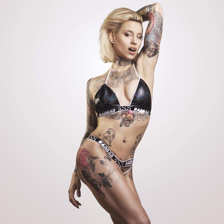 @lucie.clement x @fabouphotographer x @aswissstring ✌️ ------------------------------------------ #lucieclement #fabou #faboulife #aswissstring #bikini #h2oceanmodels @h2oceanmodels #tatts #tattoos #tattoomodel #frenchgirl #frenchy #inked #inkedgirls #inkedbarbie #inkeddiva #tattooedwoman #girlwithink