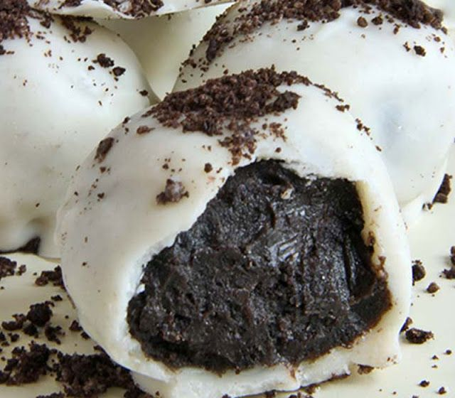 Daddy Cool!: Τρουφάκια με μπισκότα Oreo με τρία υλικά!