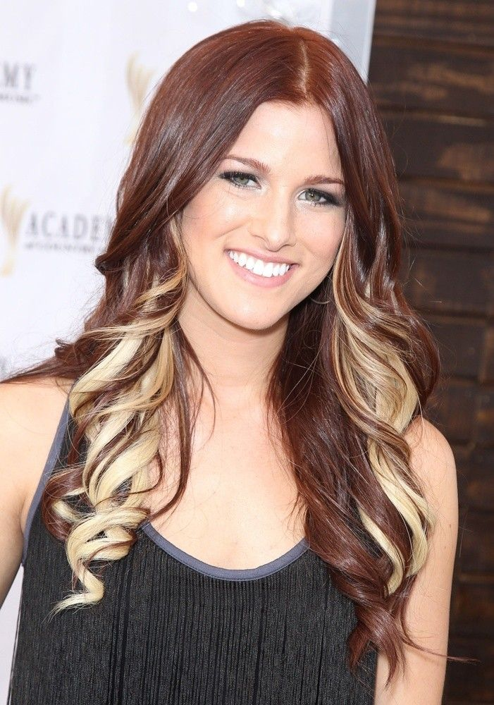 Cassadee Pope - I really want her dark auburn hair + blonde highlights