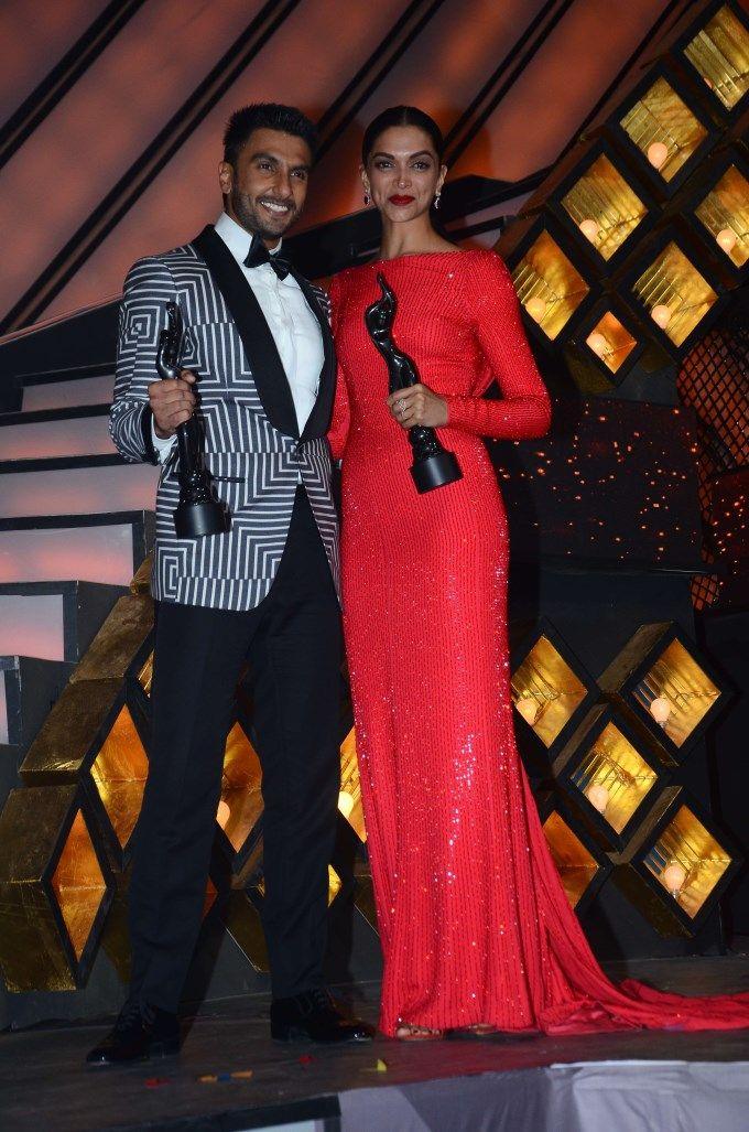 Ranveer Singh and Deepika Padukone at the Filmfare Awards show.