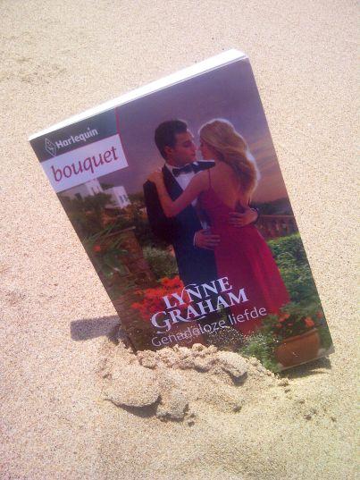 Met Bouquet naar het strand! #harlequin #boeken #lezen #bouquet #bouquetreeks #strand #reizen #vakantie