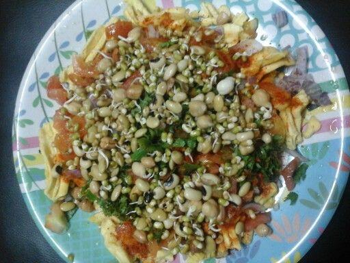 Fafda Sprout Salad Bhel