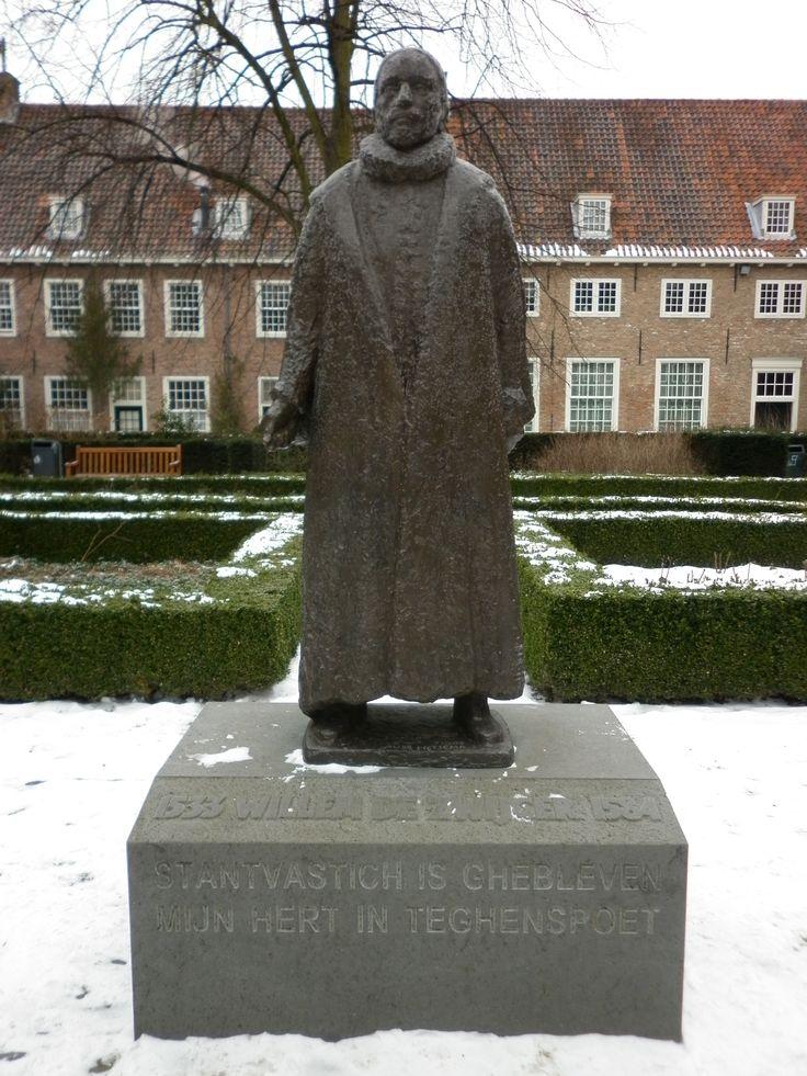 Standbeeld voor Prins Willem van Oranje in de Prinsentuin. De locatie was de vroegere kruidentuin van het St. Agathaklooster, nu bekend als het Prinsenhof.