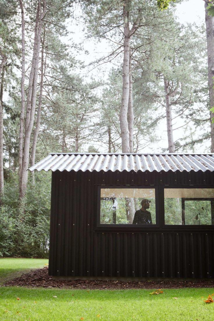 eterniet zwart golfplaten vakantiehuis VT Wonen