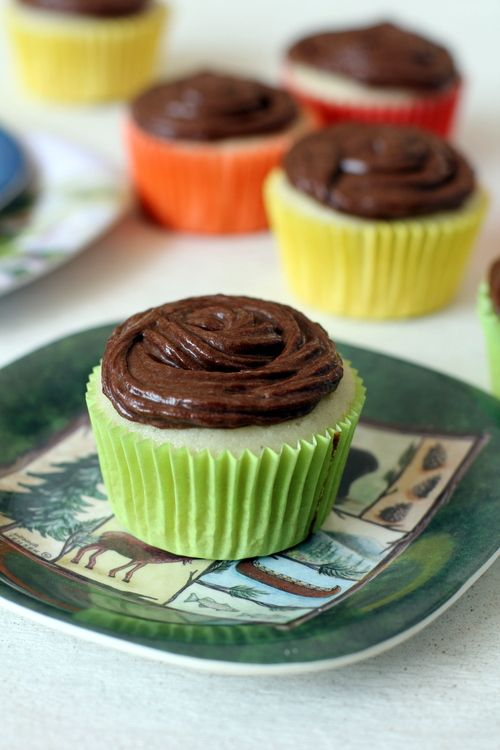 Vanilla Cupcakes with Nutella Frosting. love the frosting idea, need ...