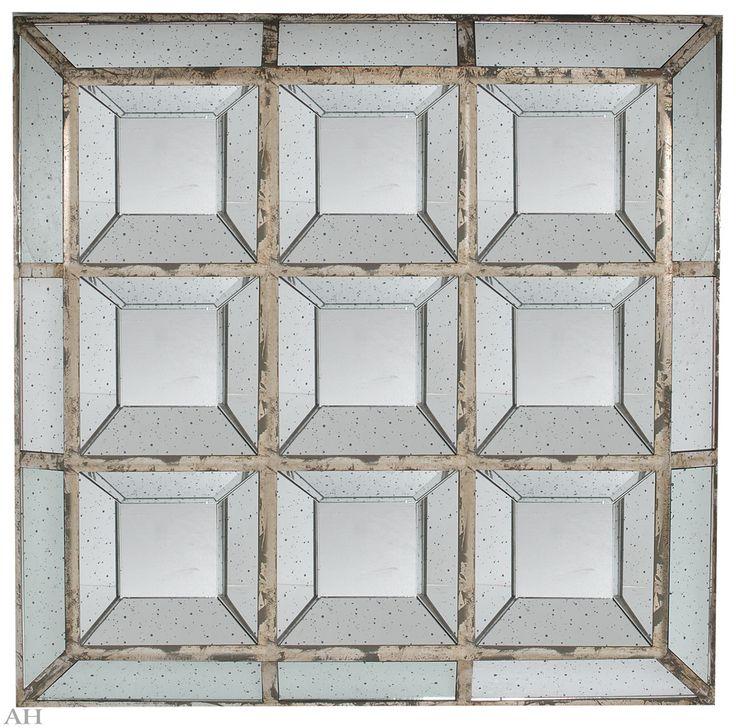 Зеркало настенное 117 х 117 см
