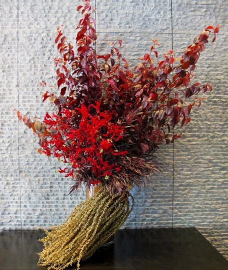 #Red #Sculptural #Vase #Arrangement #PohoFlowers #Poho #Flowers #Home #Office