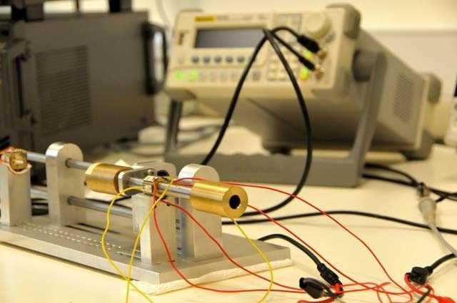 """Türk bilim insalarından milimetrik motor  TÜBİTAK, BİLGEM ve GTÜ tarafından yüksek teknoloji ürünleri geliştirmek amacıyla ilk defa tasarlanan """"yeni nesil minyatür motor"""", uzay araçları ve uydular, robotik ve otomasyon sistemleri, MR cihazları ve endoskopi gibi tıbbi uygulamalar, yeni nesil akıllı cep telefonları gibi kitlesel iletişim cihazlarında küçük boyutlu, hafif, gürültüsüz ve manyetik alanlardan etkilenmeyen yeni motor tasarımları ihtiyaçlarını karşılayabilecek."""