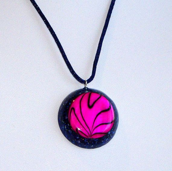 Orgone  orgonite pendant with Fuchsia Mother by OrgoniteCreations 20€