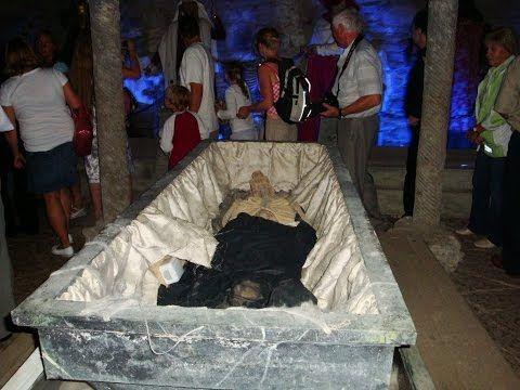 Вскрытие гроба этого казаха привело к мировой войне Вся Россия была в шо...