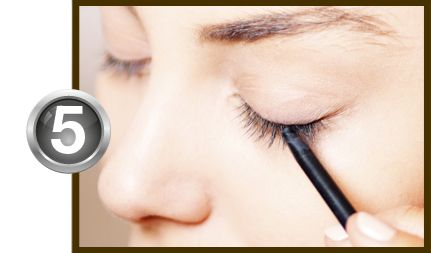 The Icon – 10 Tips for Professional Eyeliner Application.   Make sure to angle the pencil downward during application to get closer to the roots of the eyelashes. #SiselBeauty #TheIcon #Eyeliner #Eyelashes #Tip