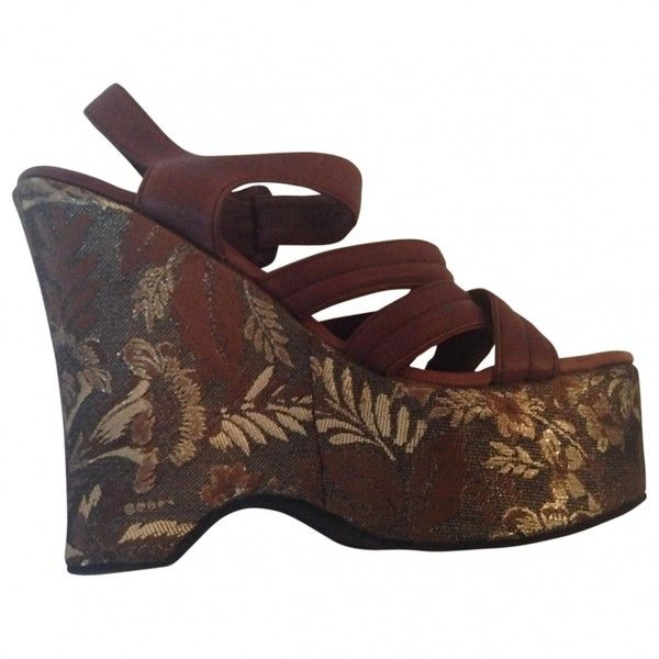 Pre-owned MIU MIU Sandals (15.650 RUB) ❤ liked on Polyvore featuring shoes, sandals, heels, brown heeled sandals, pre owned shoes, brown shoes, miu miu shoes and miu miu sandals