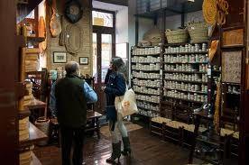 alpargatas madrid  Las  esparteñas en Madrid debido a su suela de esparto en Madrid, es un calzado en Madrid milenario que han utilizado tanto hombres como mujeres a lo largo de la historia para realizar distintas actividades agrícolas. Hoy en día, la alpargata en Madrid se ha popularizado y ha pasado de ser un calzado de verano en Madrid a uno de los calzados en Madrid más versátiles gracias a su amplia variedad de colores y diseños.