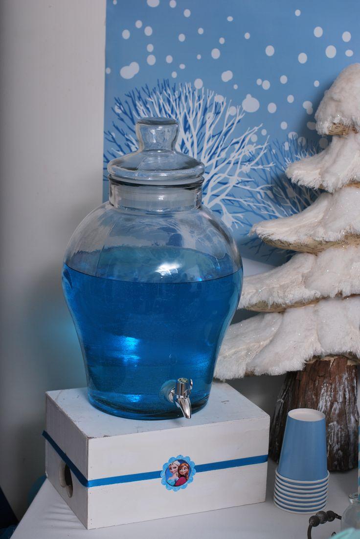 fontaine à boisson bleu