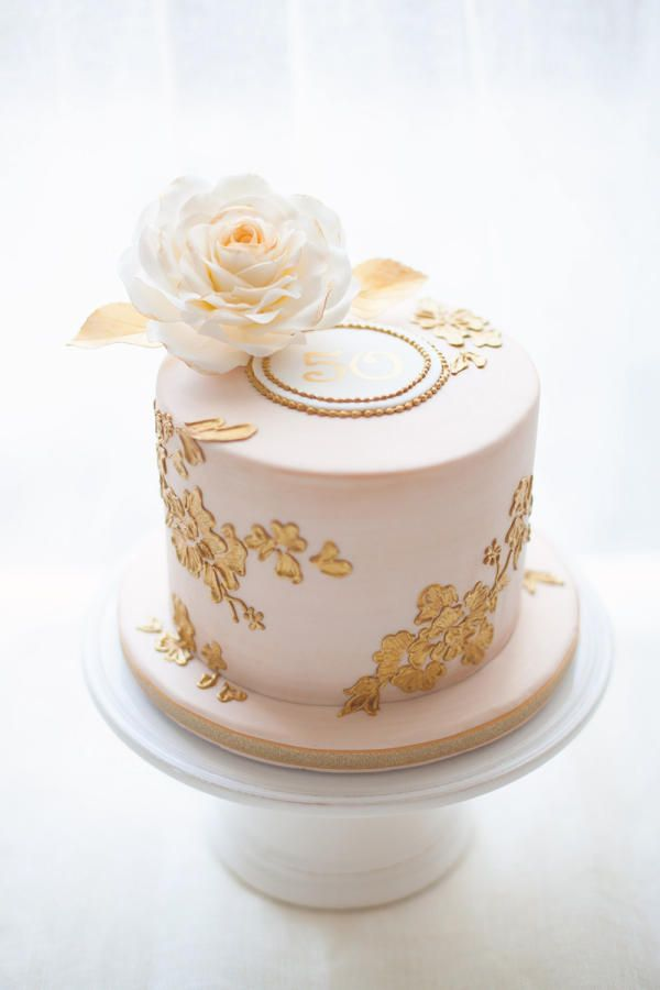 1000+ ideas about Anniversary Cakes on Pinterest Wedding ...